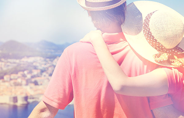 holiday-travel-tips-keep-safe_20161217_600x385