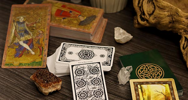 Understanding Tarot | California Psychics